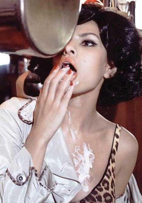 Eva Mendes Vogue'a soyundu - 39